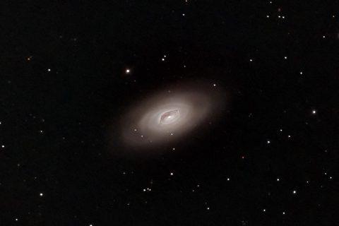 黒目星雲(銀河)M64